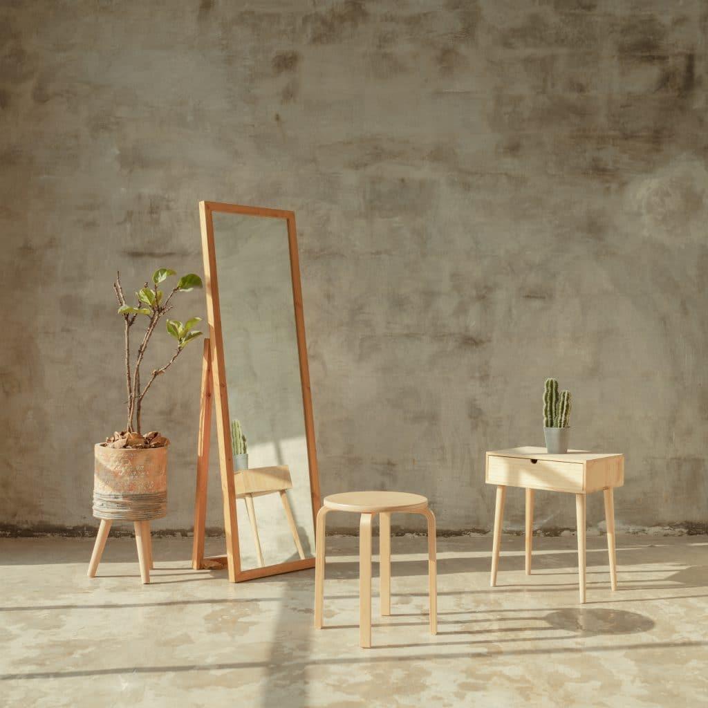 studio flat mirrors