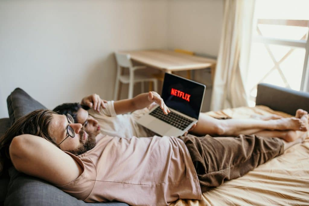 Couple watching netflix